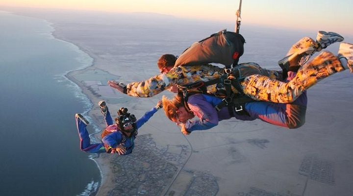 skydiving-720×400
